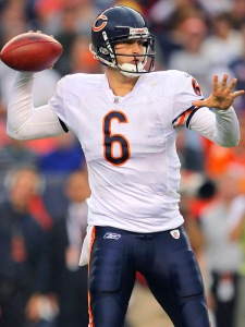 After taking a HUGE shot to the chest, Cutler responded with an almost perfect 2nd half to lead the BEARS to a 28-20 win over the heavily favored Niners...